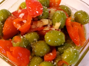 Olives with garlic and sweet n hot peppers