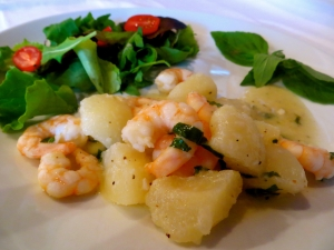 Prawns in pears, horseradish and fresh basil